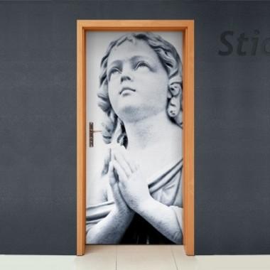 Vinilo Orando puerta-vinilos-decorativos